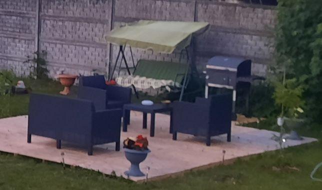 Zestaw ogrodowy plus grill i parasol