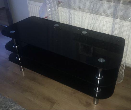 Szklany czarny stół
