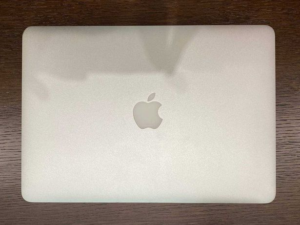 Macbook Air i5/8/256 Early 2015