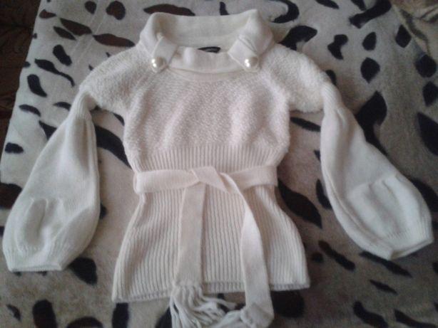 Красивый нарядный свитер 600 руб