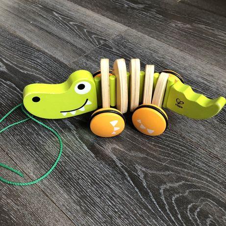 Деревянный крокодил Hape игрушка каталка оригинал