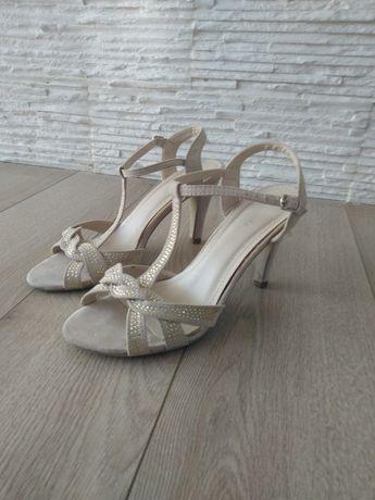 Sandały szpilki 39