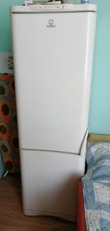 Продам холодильник Іndesit c138g.016 б/у