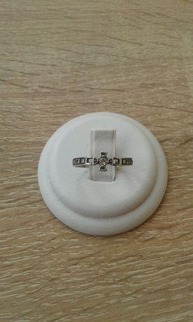 Кольцо серебро 925 проба. Размер 18.