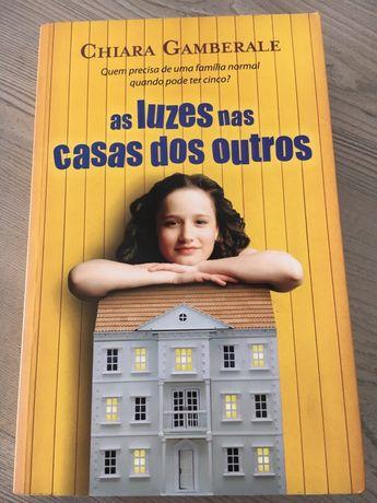 As Luzes Nas Casas Dos Outros de Chiara Gamberale
