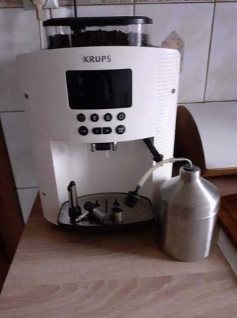 Ciśnieniowy ekspres do kawy na gwarancji