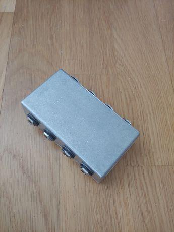 Patch box / patch bay terminal do pedalboardu