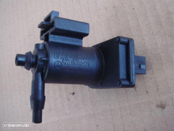 Válvula Solenóide / Conversor Pressão Vácuo Mercedes-Benz C-Class (W20