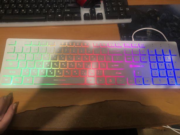 Продам проводную клавиатуру с мышкой