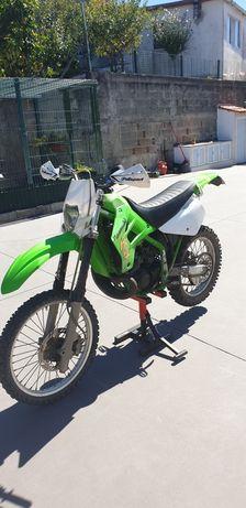 Kawasaki KDX 200 Matriculada