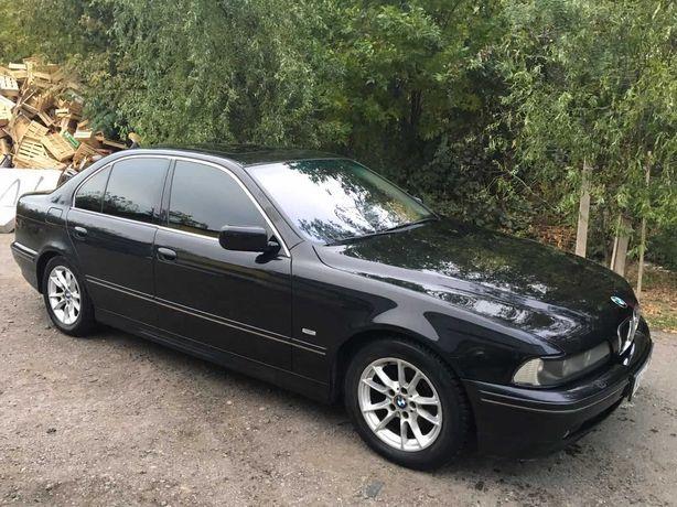 BMW 530 кожа, люк, монитор, 3.0 дизель 2003 год