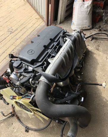 Двигатель мотор ГБЦ Головка АКПП Sprinter 210 2.7 cdi OM 612 Спринтер