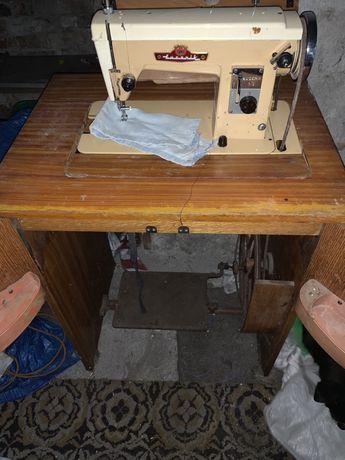 Maszyna do szycia Lucznik 413