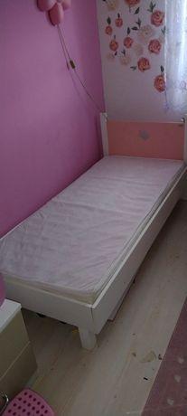 Sprzedam łóżeczko dla dziewczynki