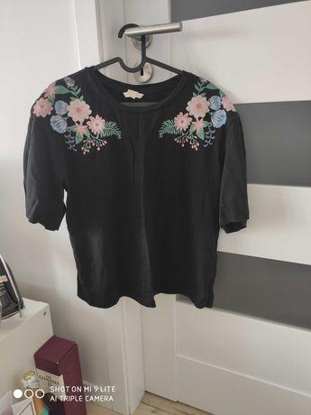 Bluzka w kwiaty haft