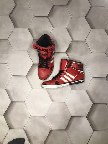 Adidas кроссовки  42 размера