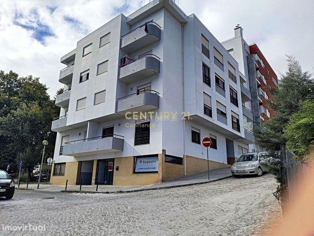 Apartamento com 2 quartos na Meadela com garagem fechado e vistas de r