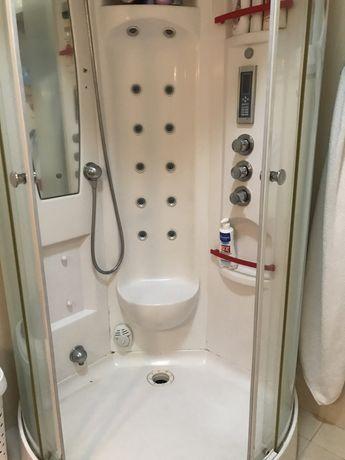 Cabine de duche, opção de hidromassagem.