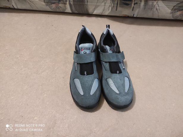 Ботинки рабочиє новые