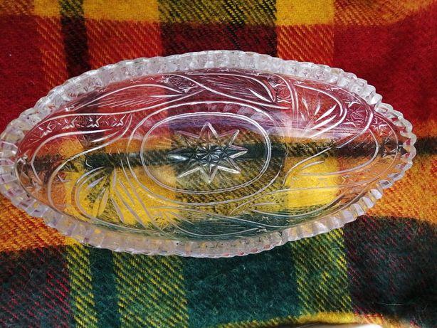Хрустальная овальная тарелка (салатница)