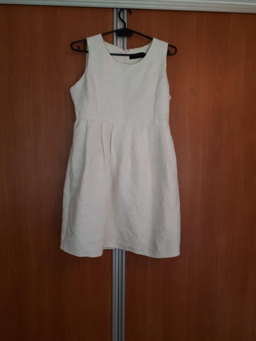 Biała sukienka M Danity