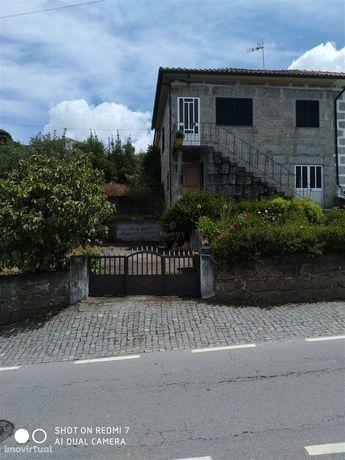 Moradia para restaurar em Serzedelo, Guimarães