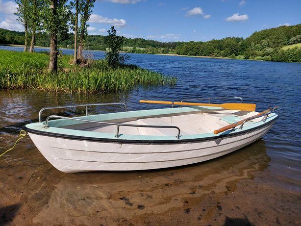 Łódka biało-błękitna
