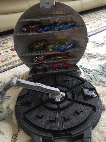 Игровой набор Hot Wheels серии Star Wars +10 машинок!