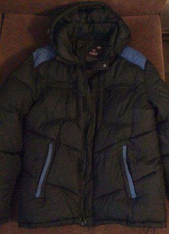 Продам зимнюю утепленную куртку на подростка