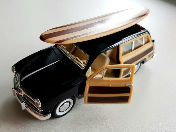 Модель автомобиля 1949 Ford Woody Wagon