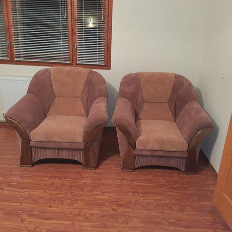 Продаю крісла . Ціна за два.