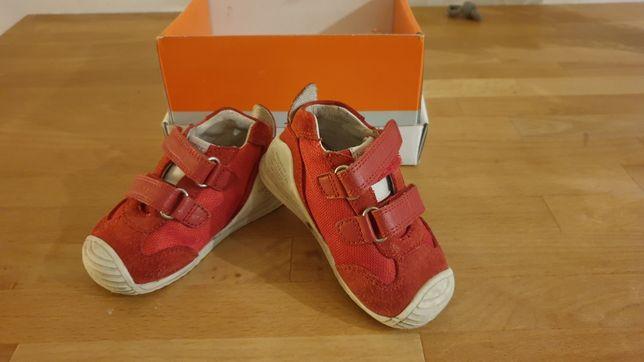 Pierwsze buty dziecięce biomecanics