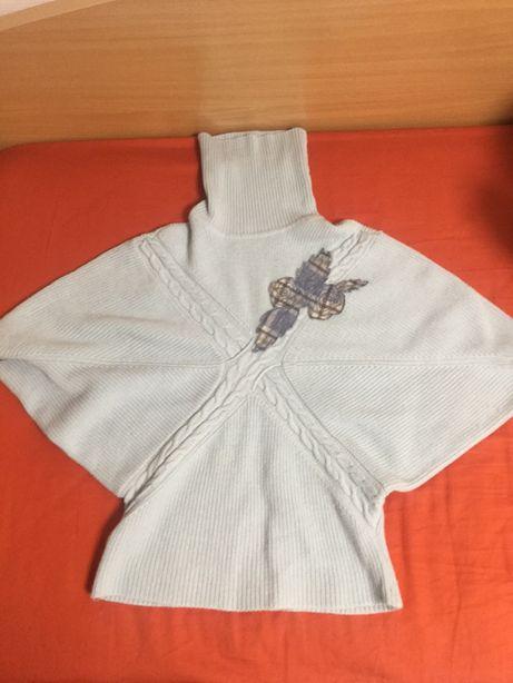Свитерок-жилетка серо-голубого цвета с орнаментом