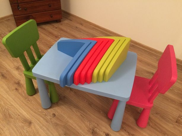 Zestaw Ikea Mammut stolik, krzesła, półki