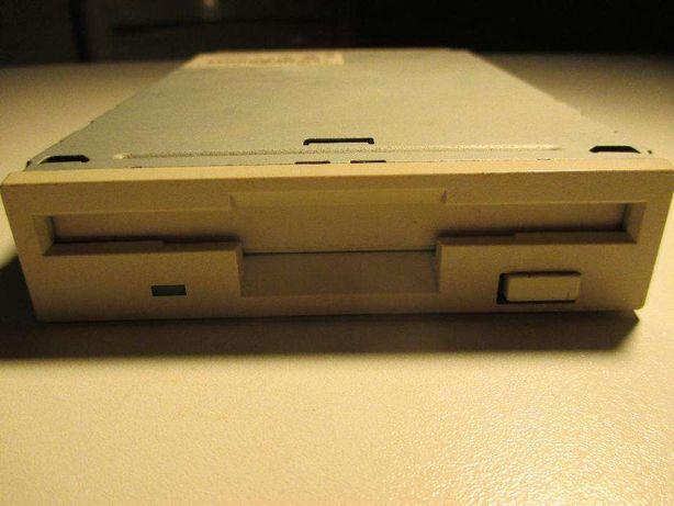 Drive de disquetes 3,5'' 1,44 MB - várias marcas