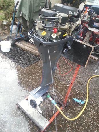 naprawa montaż i serwis silników zaburtowych ,jachtów i motorowodne