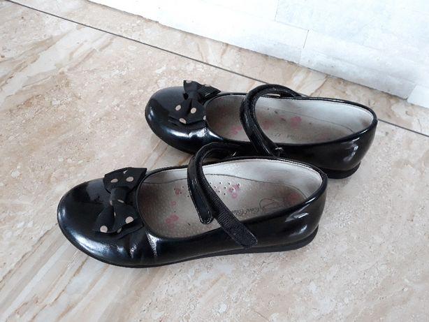 Buty pantofelki lakierki czarne cool club smyk rozm. 32