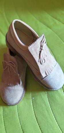 Sapatos  novos em pele - criança
