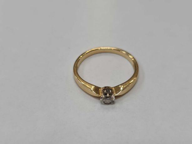 Klasyczny złoty pierścionek damski/ 585/ 2.17 gram/ R17/ DIA 0.10 CT