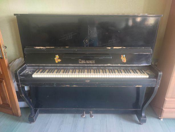 Пианино полностью рабочее
