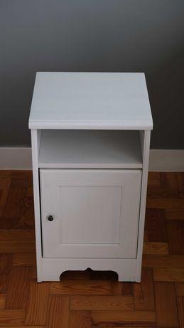 2 Mesas de Cabeceiras Brancas IKEA