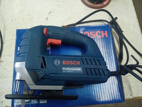 Sprzedam wyrzynarkę Bosch GST 8000 E.