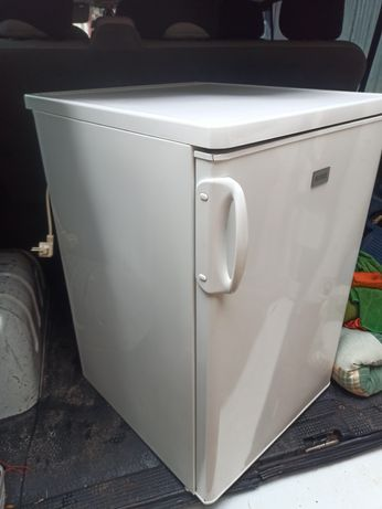 Холодильник Zanussi 85 см з морозилкою