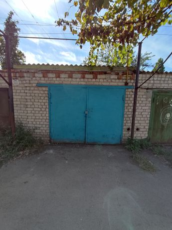 Продам гараж в районе канала.