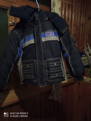Курточка с зимняя с капюшоном