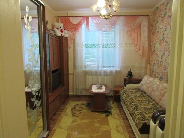 2 кімнатна в тихому районі міста