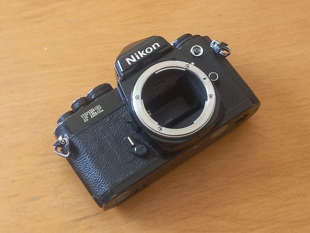 Corpo analógico Nikon FE2