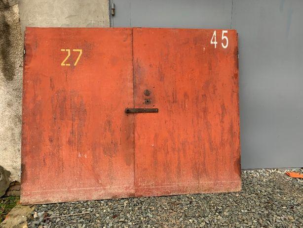Гаражні ворота б/в без коробки