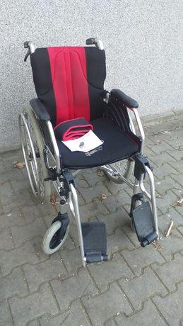 Wózek inwalidzki ręczny ,aluminiowy - stalowy .Sprawny