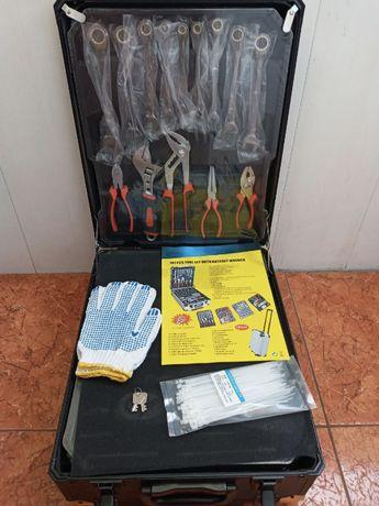 инструменты 399 шт, 4 ящика / набор в чемодане / Rainberg RB-0001